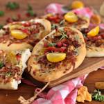 Pizzerinki z kurkami i białym sosem