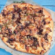Pizza z leśnymi grzybami