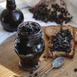 Z ŁĄKI NA TALERZ: Dżem z owoców czarnego bzu z lawendą