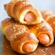 Hot dogi w cieście drożdżowym – roll dogi