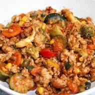 Warzywa na patelnię z mięsem mielonym, czyli szybki obiad do 20 minut
