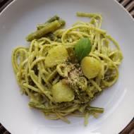 Włochy - Liguryjskie linguine z pesto, ziemniakami i zieloną fasolką (Trenette al Pesto)