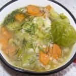 lekka zupa z brukselką i kaszą jęczmienną na maśle...
