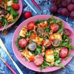 Sałatka z serem halloumi i winogronami
