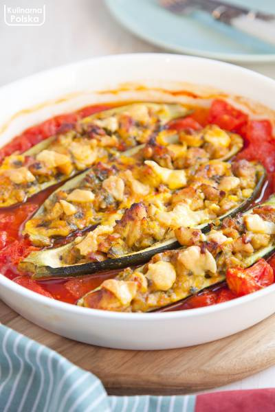 Cukinia faszerowana z kurczakiem curry. PRZEPIS