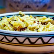 Szpecle z serem i cebulką (Käsespätzle)
