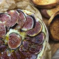 Camembert zapiekany z figami