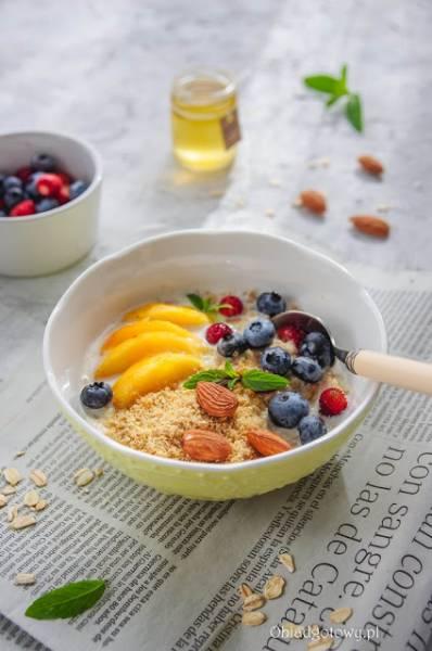 Kremowa owsianka z owocami