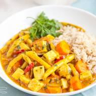 Wegańskie curry z tofu i fasolką szparagową. PRZEPIS