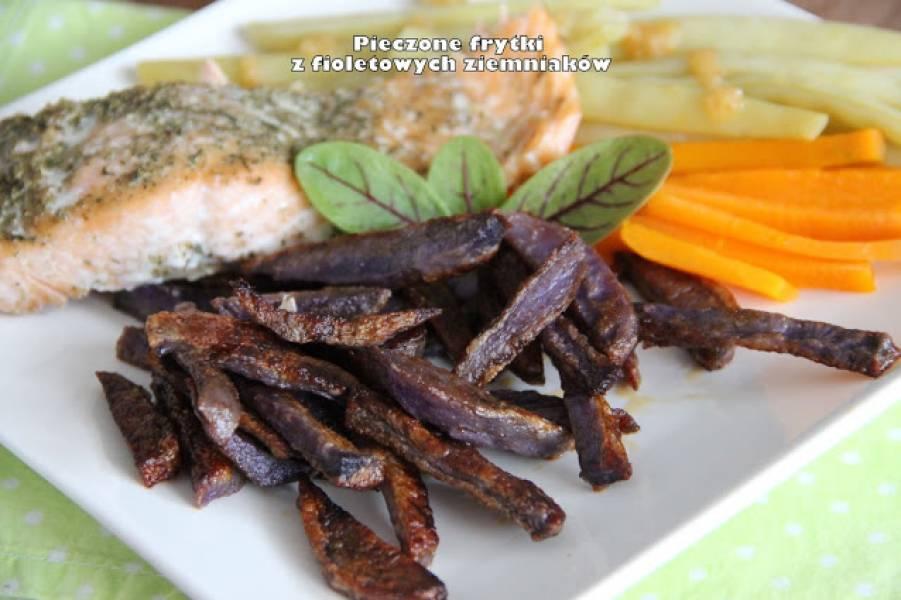 Pieczone frytki z fioletowych ziemniaków
