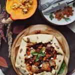 Galette z pieczoną dynią, suszonymi pomidorami i mozzarellą