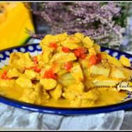 Zapiekanka ziemniaczano-dyniowa z sosem z indyka