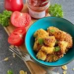 Domowe nuggetsy z kurczaka w panierce kukurydziano-parmezanowej (z piekarnika)