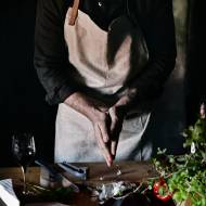 Czerwona kapusta Stir Frying Faceta w Kuchni