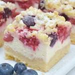 Kruche ciasto z serem i owocami