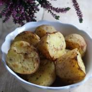 Pieczone ziemniaki w jogurtowej marynacie