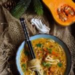 Azjatycka zupa z pieczoną dynią