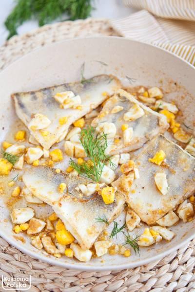 Zapomniany przepis na rybę po polsku z jajkiem. Prosto i niesamowicie pysznie