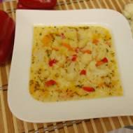 Zupa kalafiorowa z papryką - pyszna i prosta w przygotowaniu