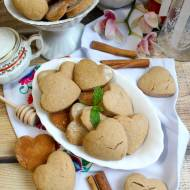 Miodowe ciasteczka z cynamonem a la pierniczki