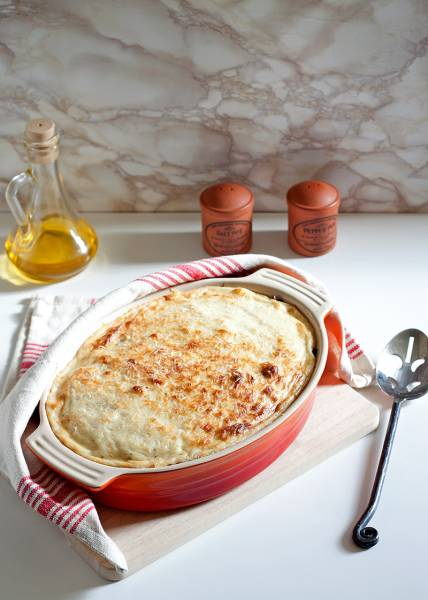 Pastisio - grecka zapiekanka makaronowa z mięsem mielonym