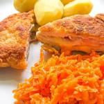 Cordon bleu z kurczaka, z ziemniakami i marchewką