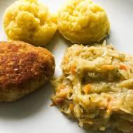 Mielone z ziemniakami i kapustą zasmażaną