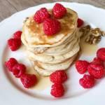 Jogurtowe pancakes z syropem klonowym