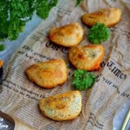 Pieczone pierogi z kurczakiem i brokułami