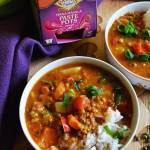 Rozgrzewająca zupa pomidorowa z fasolą mung oraz pastą Tikka Masala.