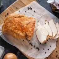 Duszona pierś z indyka – idealna na kanapki