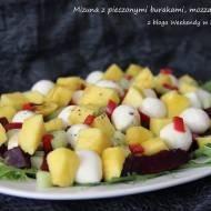 Mizuna z pieczonymi burakami i mango
