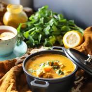 Rozgrzewające pikantne curry z kurczakiem i batatami