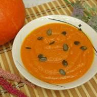 Zupa krem z dyni z papryką pieczoną – pyszna jesienna zupa z dynią