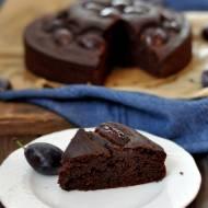 Wegańskie ciasto czekoladowe ze śliwkami (najprostsze)