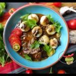 Pyzy ziemniaczane z sosem grzybowym