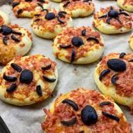 Przekąski na Halloween – Pizzerinki z Pająkiem