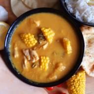 Żółte curry – przepis na aromatycznego kurczaka z dużą ilością warzyw