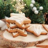 Tradycyjne świąteczne pierniki choinkowe
