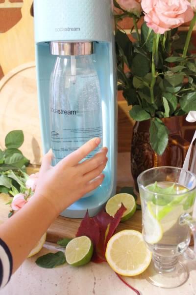 Świeżo gazowana woda taka jak lubimy z ekspresem SodaStream Sprint