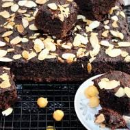 Zdrowe ciasto czekoladowe z ciecierzycy (bez mąki i cukru)