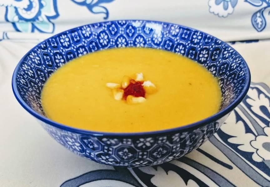 Wegańska zupa krem z pieczonej dyni