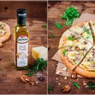 Biała pizza z pieczarkami, truflą i camembertem / White pizza with mushrooms, truffle and camembert