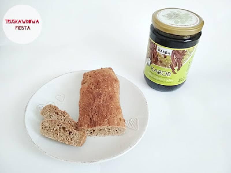 Chlebek pełnoziarnisty z melasą z karobu