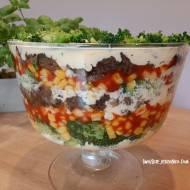 Sałatka imprezowa brokułowo - pieczarkowa