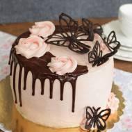 tort z kremem michałkowym i malinowym