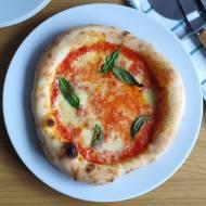 Pizza à la neapolitańska (z piekarnika)