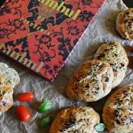Stambuł do zjedzenia, Bartek Kieżun. Recenzja książki a także przepis na tureckie bułeczki - Pogaca.