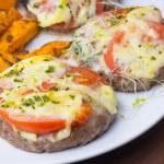 Wołowe kotlety mielone zapiekane z serem i pomidorem