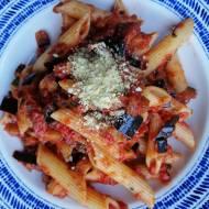 Włochy - Pasta alla Norma, czyli sycylijski makaron z sosem pomidorowym i bakłażanem